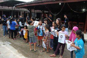 インドネシアの人々と習字を通じた文化交流